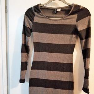 HM Grey and Black Long Sleeve Dress XS/32/0